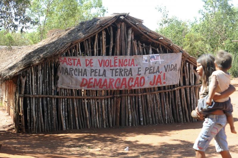 Coronel Sapucaia (MS) - A comunidade de Kurusu Amba pede o fim da violência na região onde os conflitos por terra entre fazendeiros e indígenas se arrastam há anos (Foto: Wilson Dias/ABr)