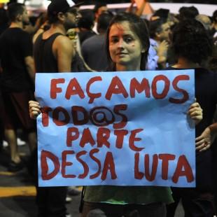 Jovem em manifestação no Rio de Janeiro, junho de 2013. (Foto: Tomaz Silva/ABr)