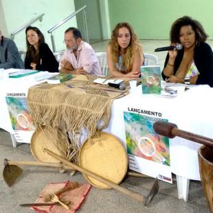 Fran Paula, da FASE, durante o debate em Rondonópolis. (Foto: Andrés Pasquis/GIAS)