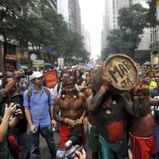 Protesto da Cúpula dos Povos, evento paralelo à Rio+20, em 2012. (Foto: ABr)
