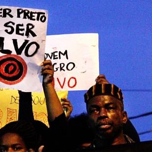 Ato contra o genocídio da juventude negra. Foto: Thais Alvarenga