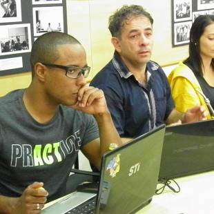 Luiz e integrantes da ALC