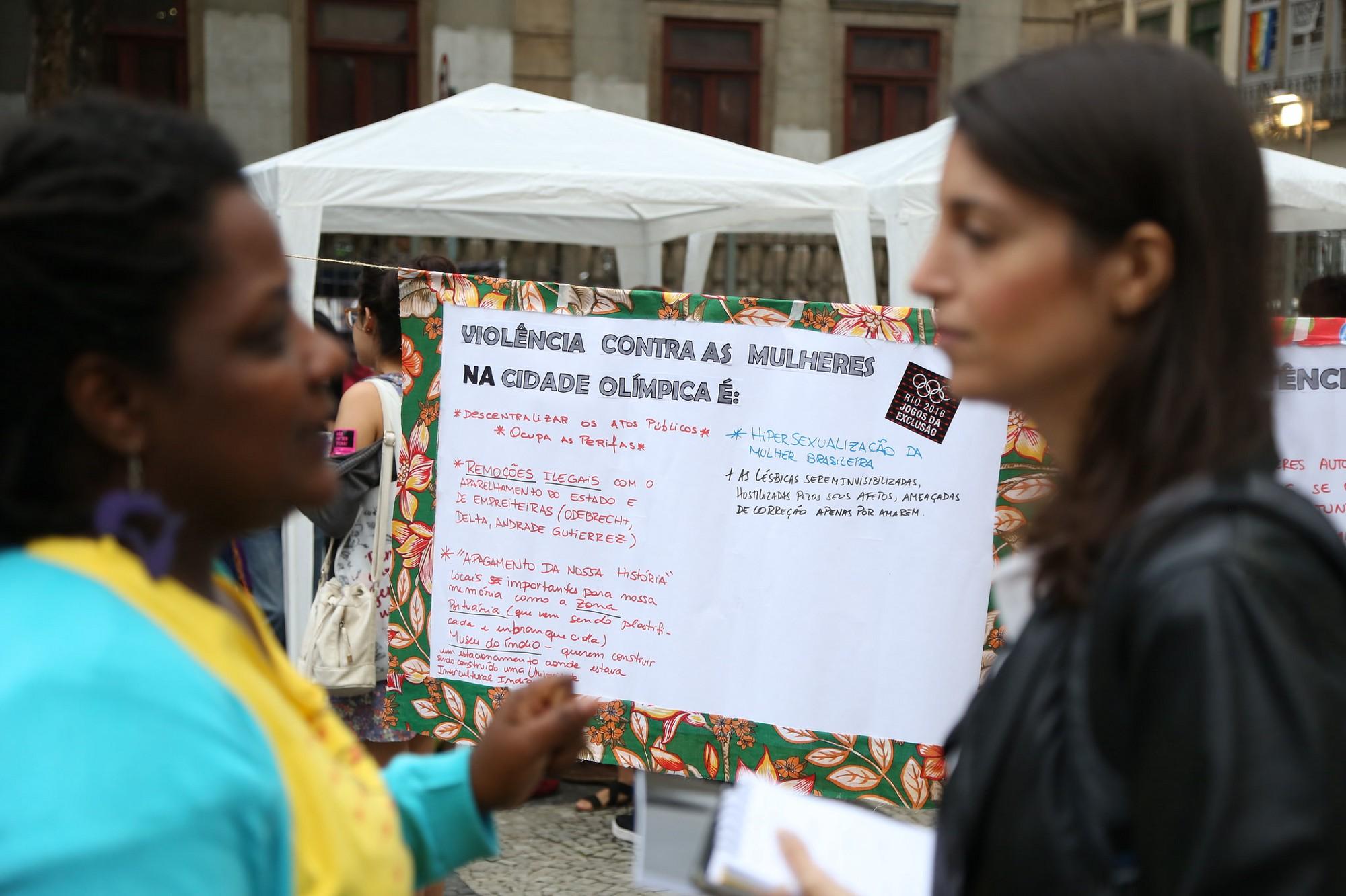 Mulheres resistem às violações na 'cidade olímpica'