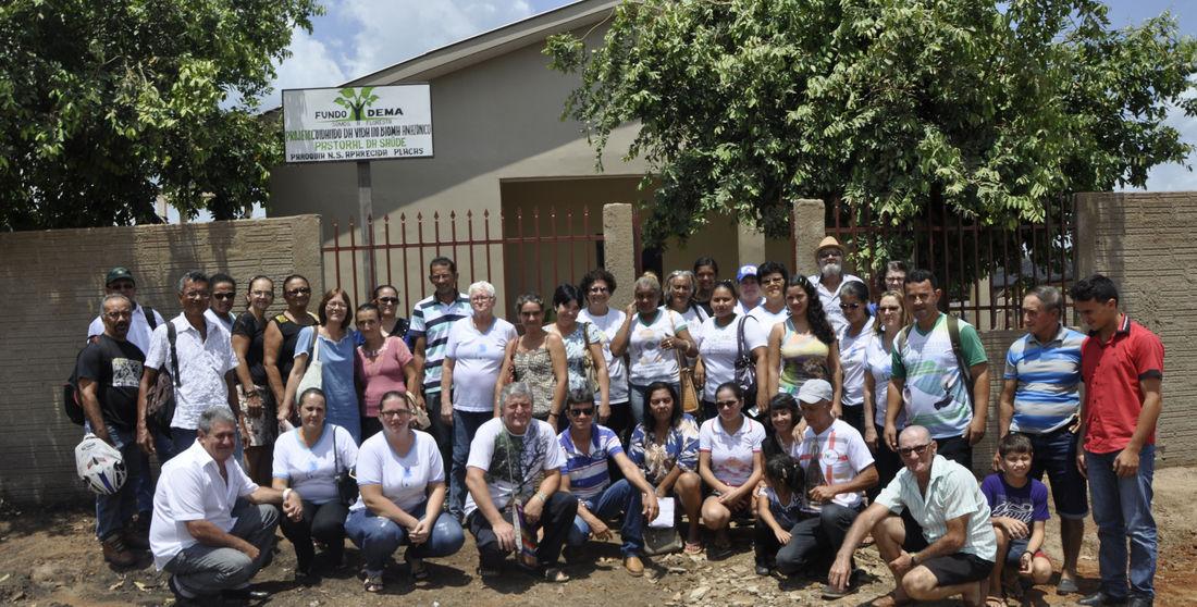 Moradores de Placas comemoram a reestruturação do posto que vai ampliar o acesso da comunidade à saúde
