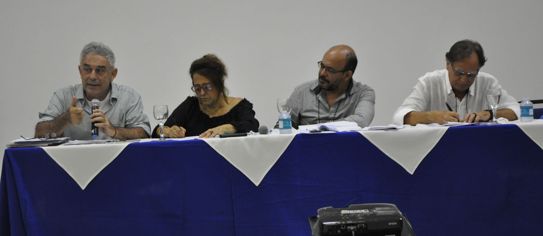 Alfredo Wagner, Edna Castro, Guilherme Carvalho, coordenador do programa da FASE na Amazônia, e Carlos Walter