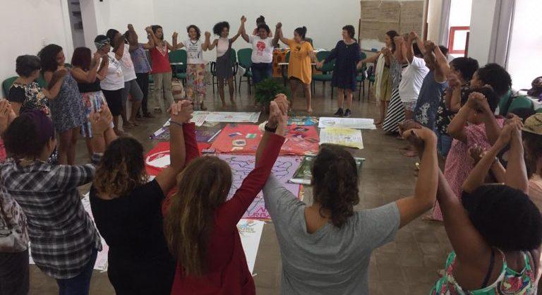 Mulheres debate economia feminista e agricultura urbana