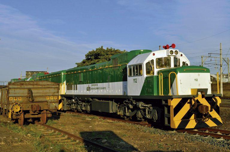 Moçambique: À espera do trem do desenvolvimento